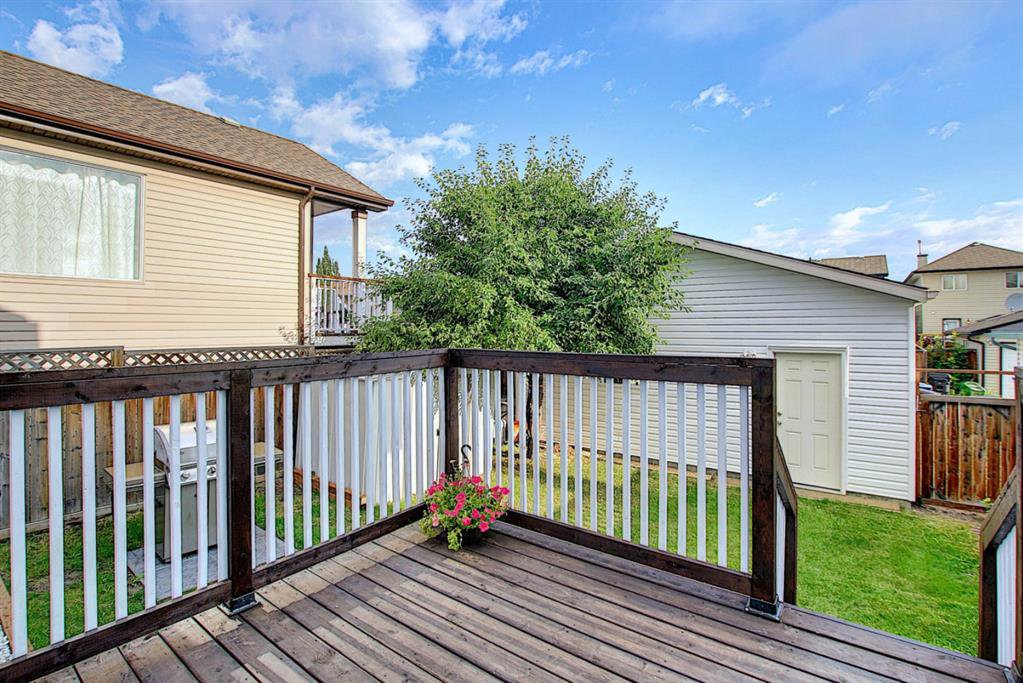 Photo 18: Photos: 646 EVERMEADOW Road SW in Calgary: Evergreen Detached for sale : MLS®# A1023171