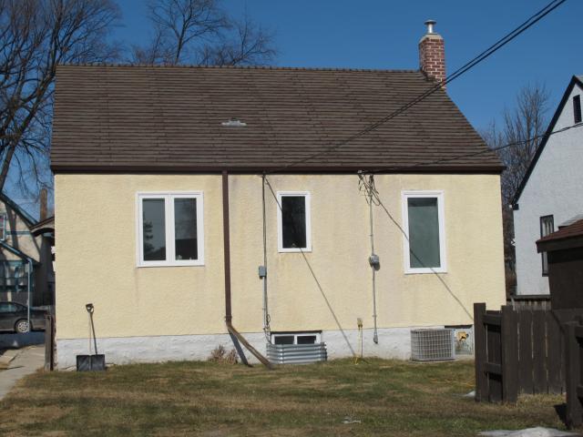 Photo 3: Photos:  in WINNIPEG: East Kildonan Residential for sale (North East Winnipeg)  : MLS®# 1106010