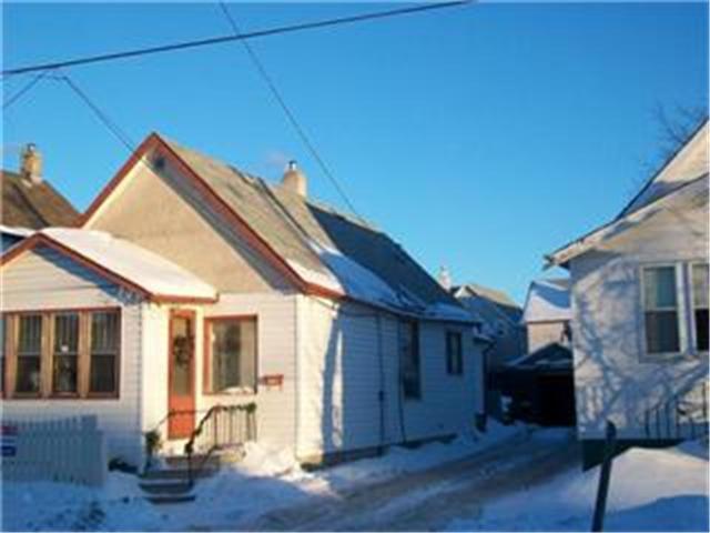 Main Photo: 257 Nora Street in WINNIPEG: Brooklands / Weston Residential for sale (West Winnipeg)  : MLS®# 1200134