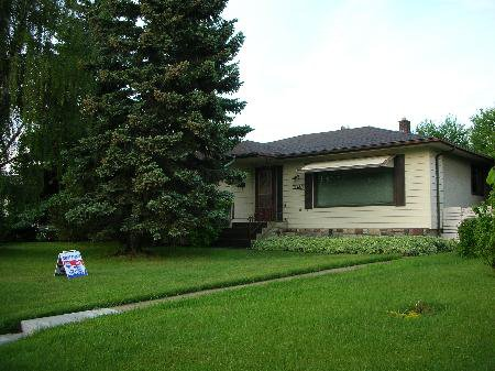 Main Photo: 13523 - 128 STREET: House for sale (Wellington)