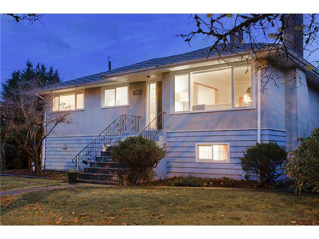 Main Photo: 6656 ASHWORTH Avenue in Burnaby: Upper Deer Lake House for sale (Burnaby South)  : MLS®# V981037