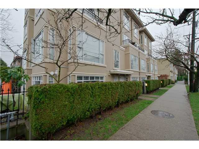 "Main Photo: 2108 YEW ST in Vancouver: Kitsilano Condo for sale in ""KITSILANO"" (Vancouver West)  : MLS®# V1043093"