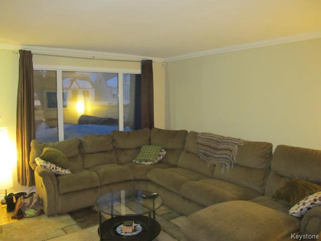 Photo 8: Photos:  in WINNIPEG: East Kildonan Residential for sale (North East Winnipeg)  : MLS®# 1405444