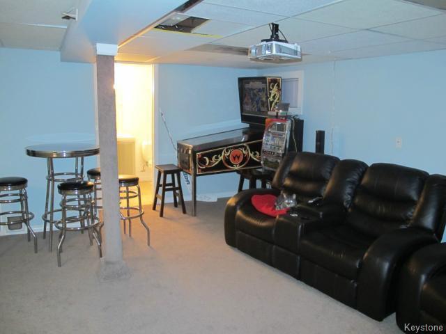 Photo 16: Photos:  in WINNIPEG: East Kildonan Residential for sale (North East Winnipeg)  : MLS®# 1405444