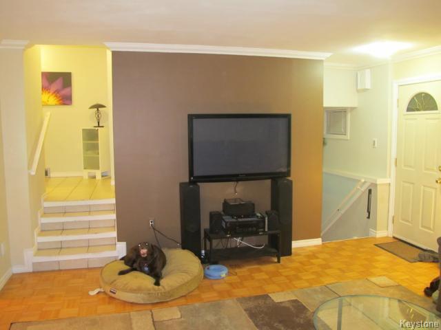 Photo 10: Photos:  in WINNIPEG: East Kildonan Residential for sale (North East Winnipeg)  : MLS®# 1405444