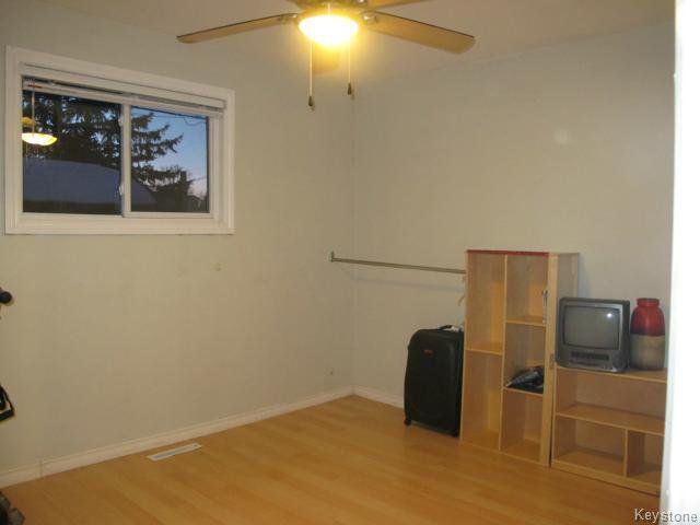 Photo 15: Photos:  in WINNIPEG: East Kildonan Residential for sale (North East Winnipeg)  : MLS®# 1405444