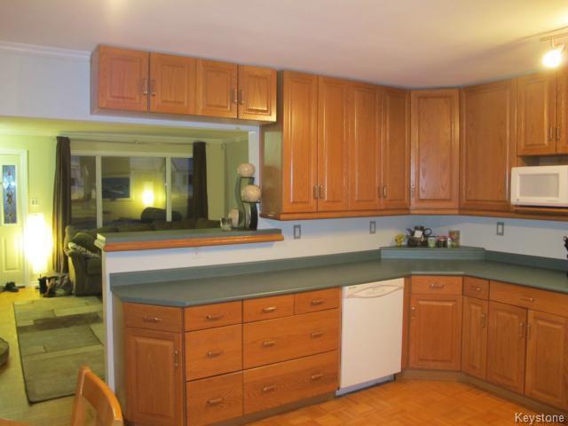 Photo 5: Photos:  in WINNIPEG: East Kildonan Residential for sale (North East Winnipeg)  : MLS®# 1405444