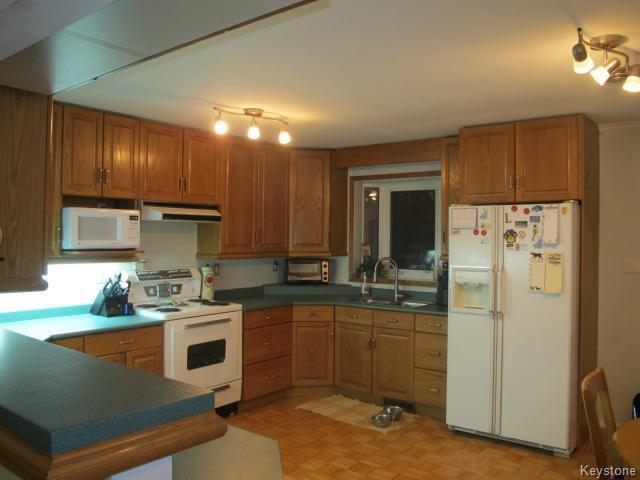 Photo 4: Photos:  in WINNIPEG: East Kildonan Residential for sale (North East Winnipeg)  : MLS®# 1405444
