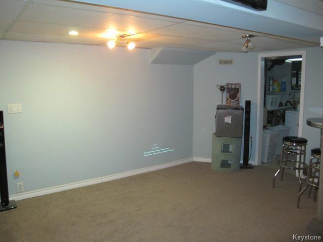 Photo 18: Photos:  in WINNIPEG: East Kildonan Residential for sale (North East Winnipeg)  : MLS®# 1405444