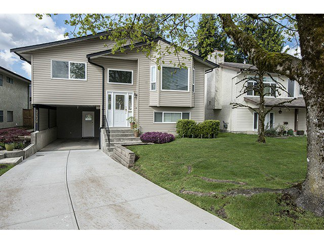"""Main Photo: 3236 SAMUELS Court in Coquitlam: New Horizons House for sale in """"New Horizons"""" : MLS®# V1062540"""