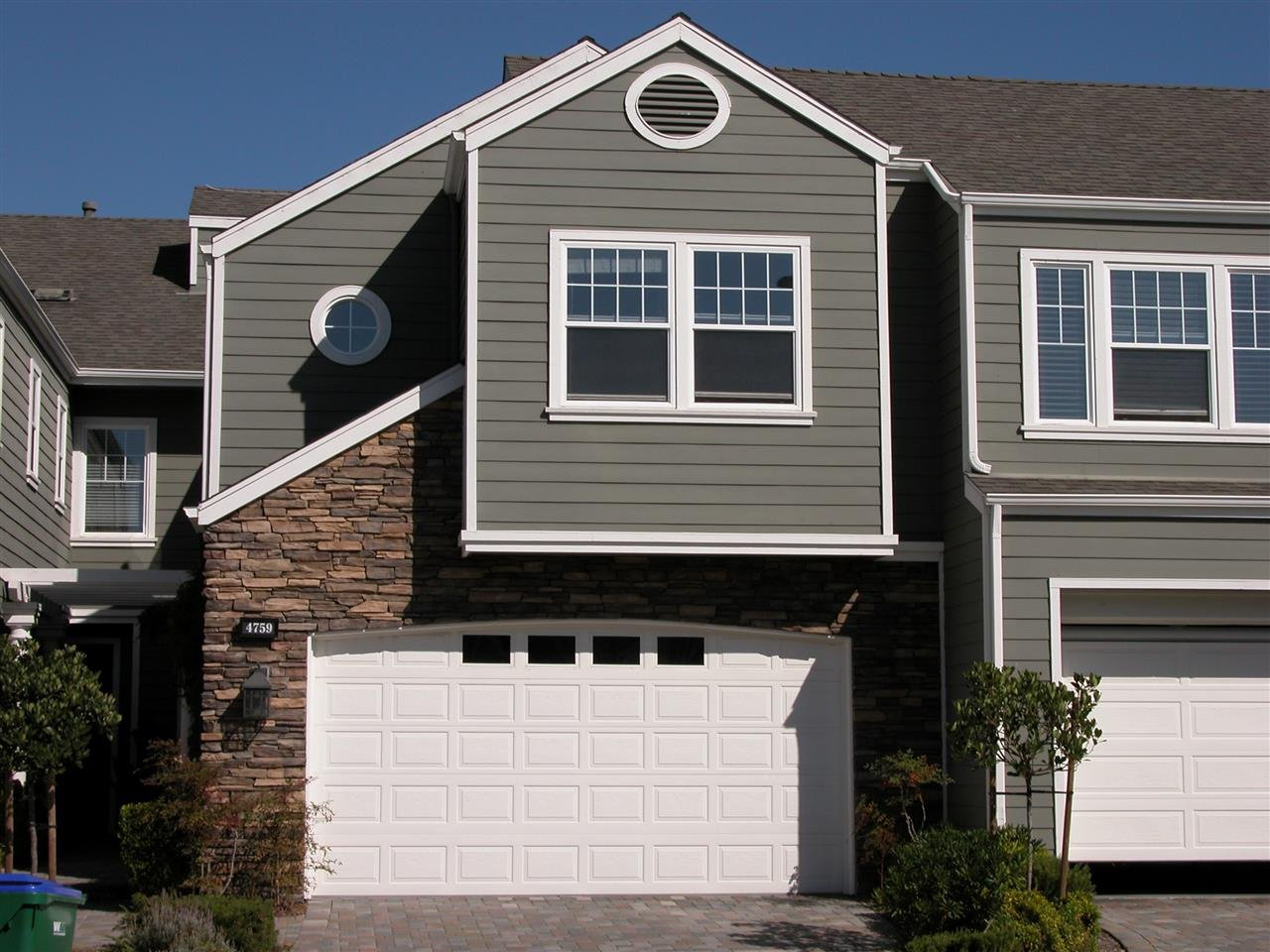Main Photo: CARLSBAD WEST Townhome for sale or rent : 3 bedrooms : 4759 Beachwood Court in Carlsbad