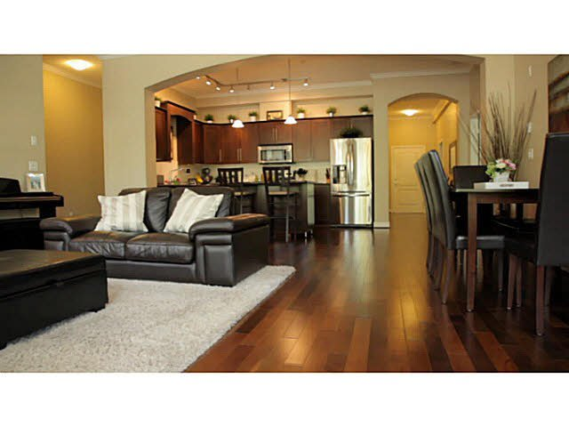Main Photo: 110 2628 MAPLE Street in Port Coquitlam: Central Pt Coquitlam Condo for sale : MLS®# V1094126