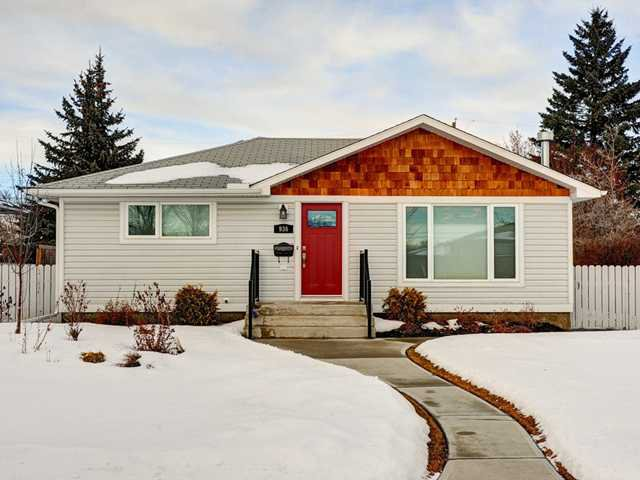 Main Photo: 936 15 Avenue NE in Calgary: Renfrew_Regal Terrace Residential Detached Single Family for sale : MLS®# C3650147