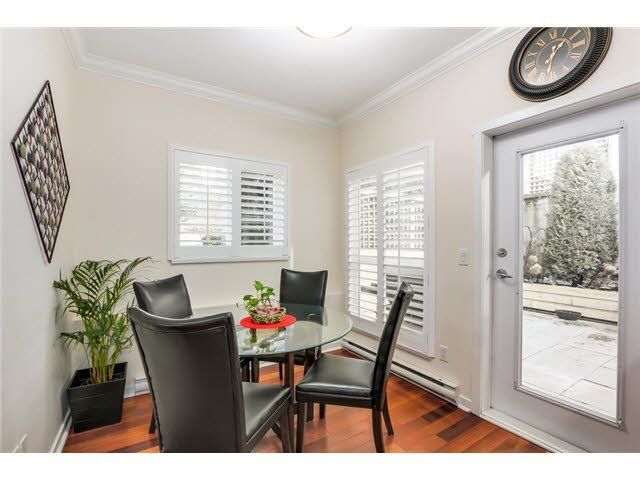 """Main Photo: 2288 CHESTERFIELD Avenue in North Vancouver: Central Lonsdale Townhouse for sale in """"CREEKMOUNT ESTATES"""" : MLS®# V1103632"""