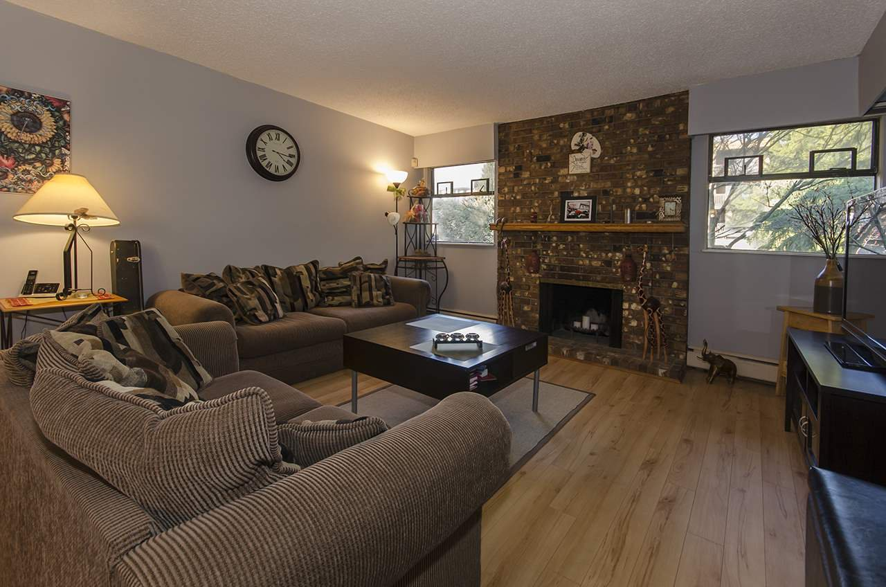 """Main Photo: 201 325 W 3RD Street in North Vancouver: Lower Lonsdale Condo for sale in """"HARBOURVIEW"""" : MLS®# R2048602"""