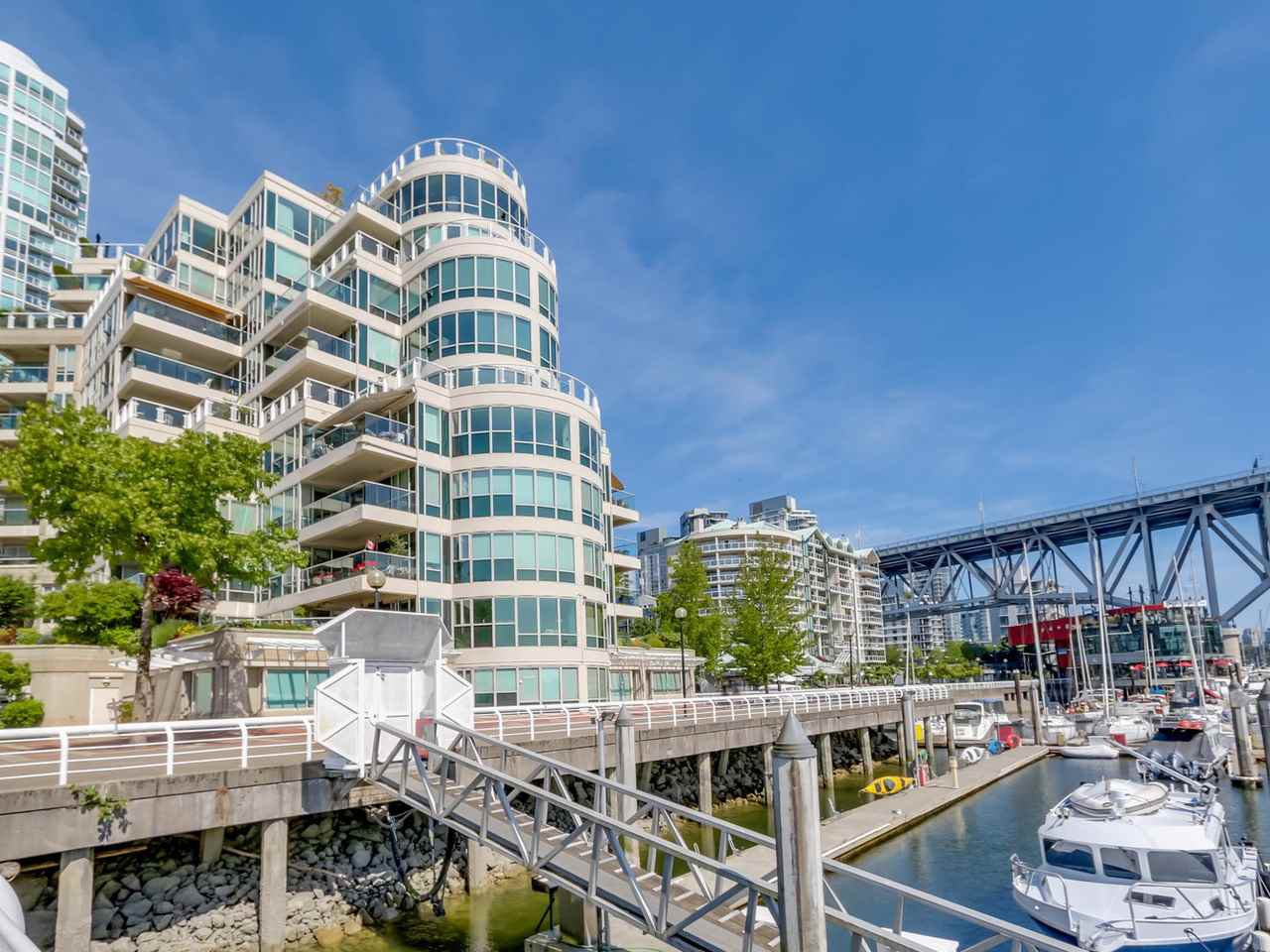 "Main Photo: 401 1600 HORNBY Street in Vancouver: Yaletown Condo for sale in ""Yacht Harbour Pointe"" (Vancouver West)  : MLS®# R2075174"