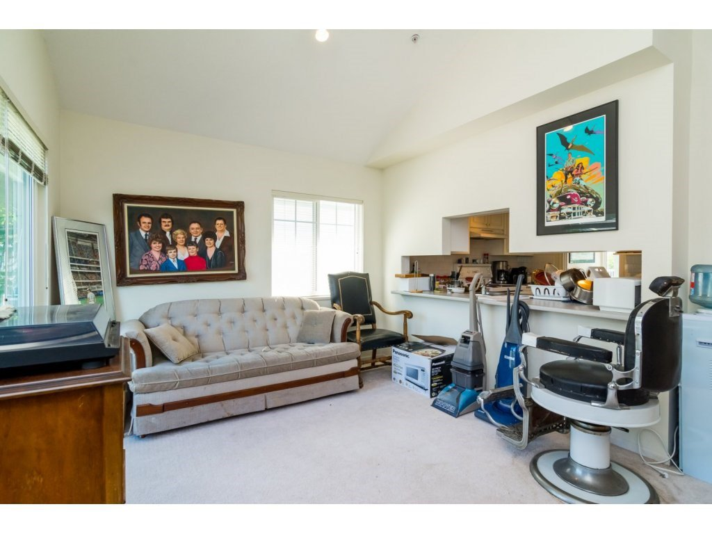 """Photo 9: Photos: 69 8892 208 Street in Langley: Walnut Grove Townhouse for sale in """"Hunter's Run"""" : MLS®# R2093333"""