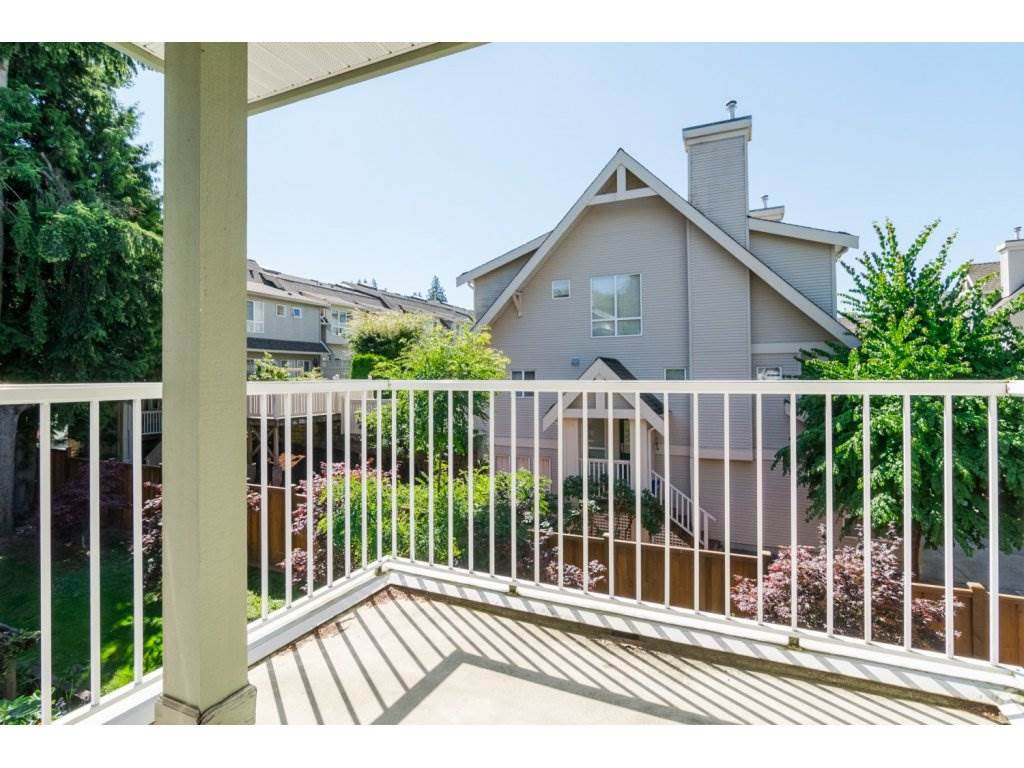 """Photo 6: Photos: 69 8892 208 Street in Langley: Walnut Grove Townhouse for sale in """"Hunter's Run"""" : MLS®# R2093333"""