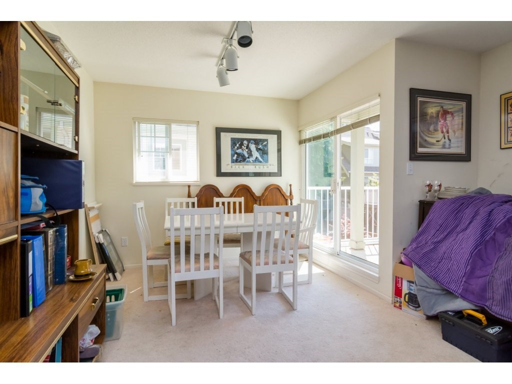 """Photo 5: Photos: 69 8892 208 Street in Langley: Walnut Grove Townhouse for sale in """"Hunter's Run"""" : MLS®# R2093333"""
