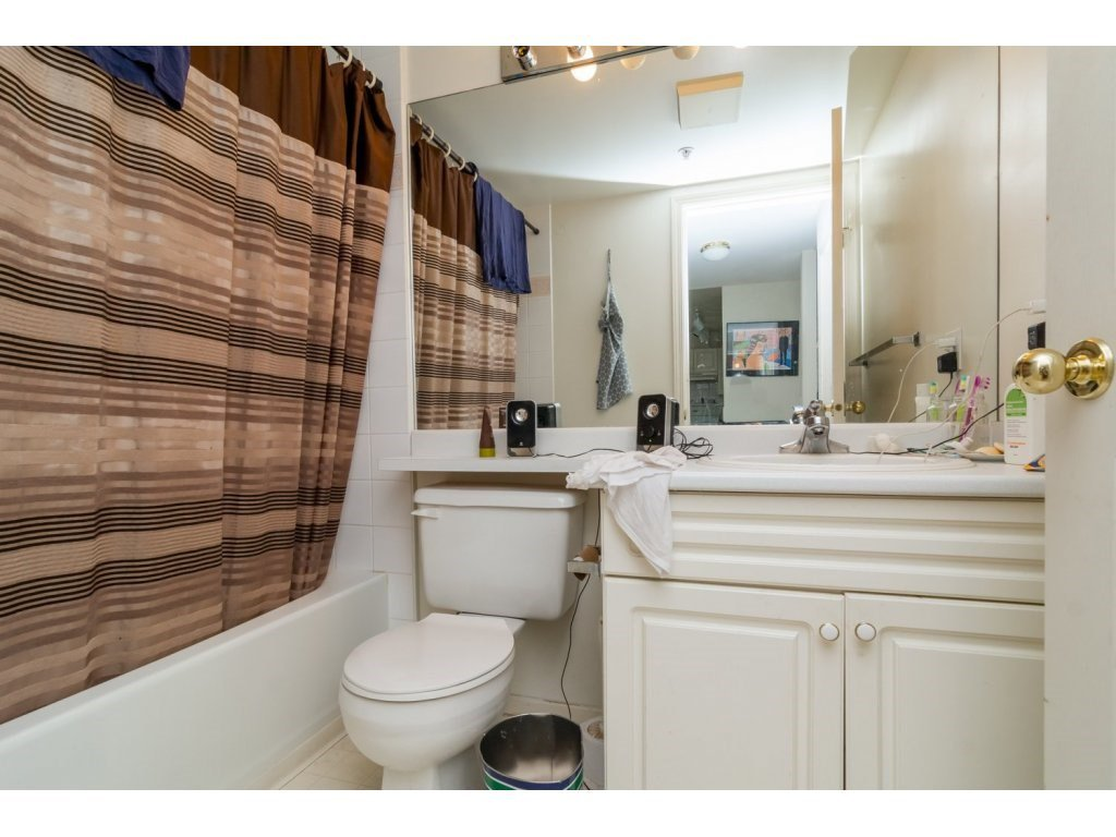 """Photo 14: Photos: 69 8892 208 Street in Langley: Walnut Grove Townhouse for sale in """"Hunter's Run"""" : MLS®# R2093333"""