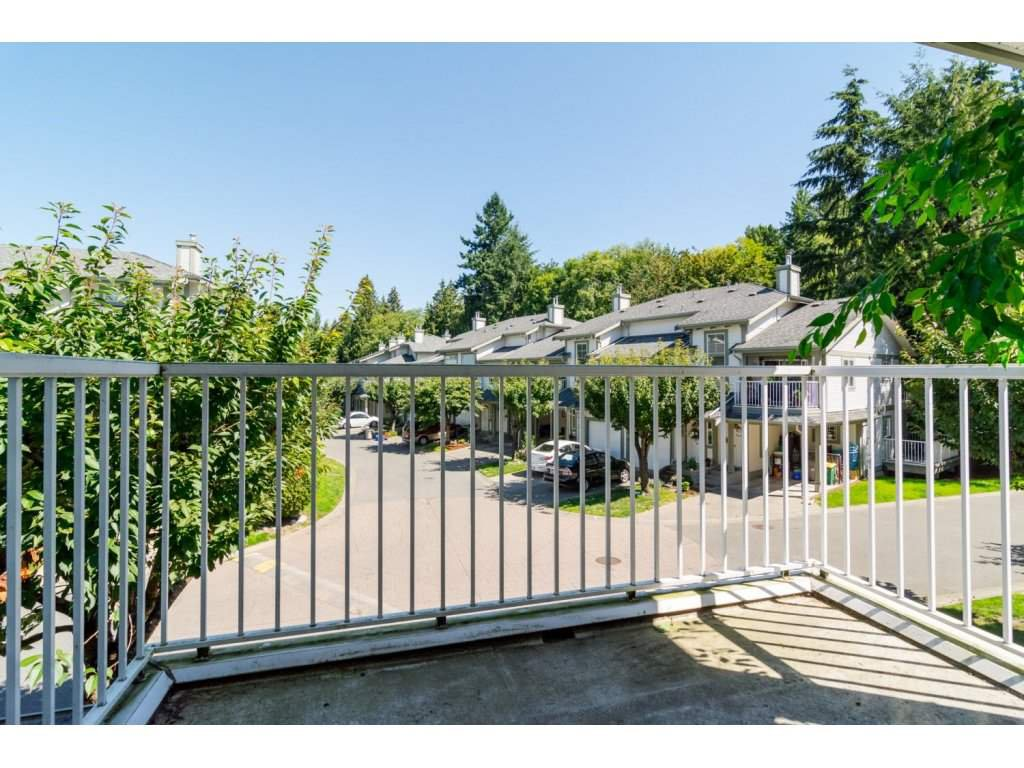 """Photo 17: Photos: 69 8892 208 Street in Langley: Walnut Grove Townhouse for sale in """"Hunter's Run"""" : MLS®# R2093333"""