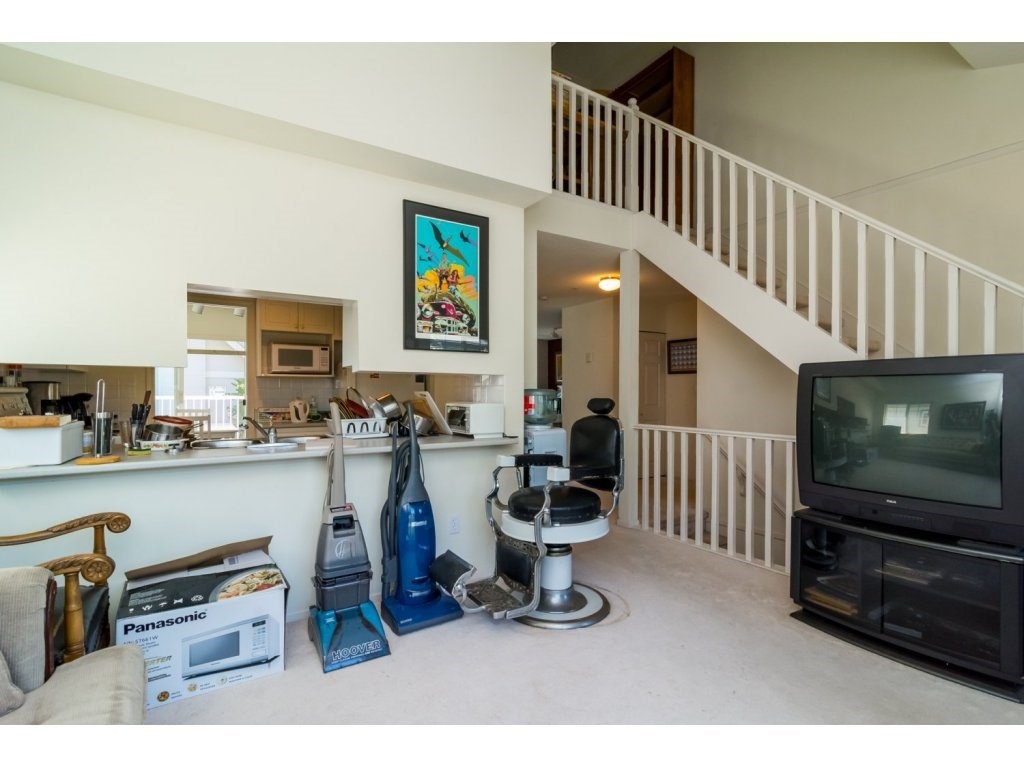 """Photo 10: Photos: 69 8892 208 Street in Langley: Walnut Grove Townhouse for sale in """"Hunter's Run"""" : MLS®# R2093333"""