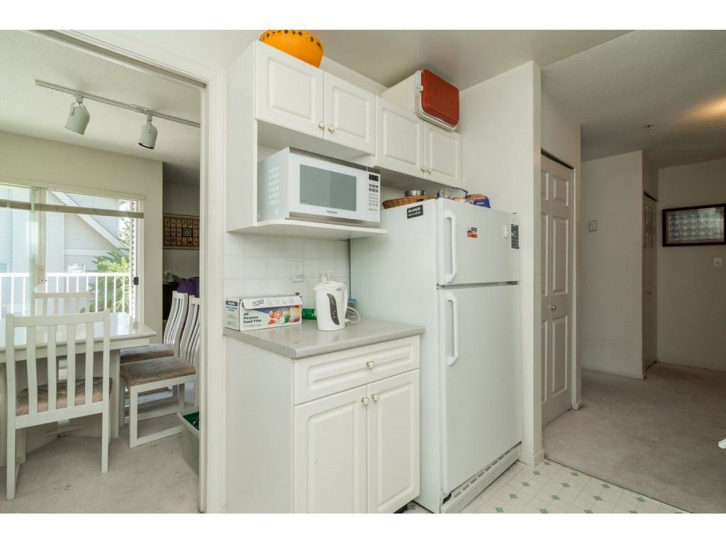 """Photo 8: Photos: 69 8892 208 Street in Langley: Walnut Grove Townhouse for sale in """"Hunter's Run"""" : MLS®# R2093333"""