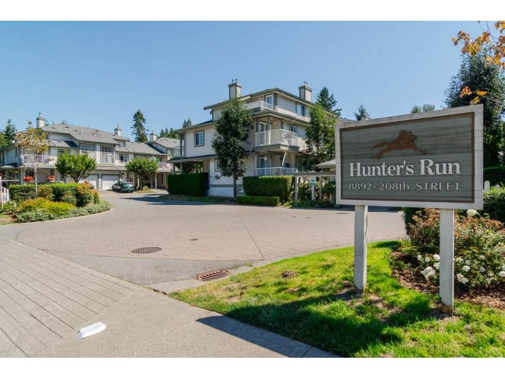 """Photo 2: Photos: 69 8892 208 Street in Langley: Walnut Grove Townhouse for sale in """"Hunter's Run"""" : MLS®# R2093333"""