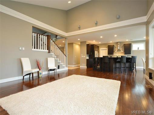 Main Photo: 2121 Quails Run in VICTORIA: La Bear Mountain Single Family Detached for sale (Langford)  : MLS®# 753114