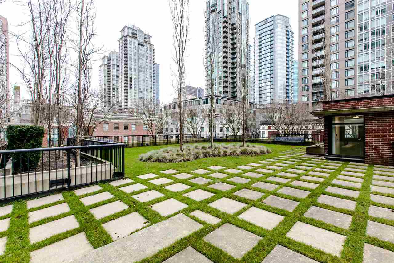 Photo 16: Photos: 707 928 HOMER Street in Vancouver: Yaletown Condo for sale (Vancouver West)  : MLS®# R2146641