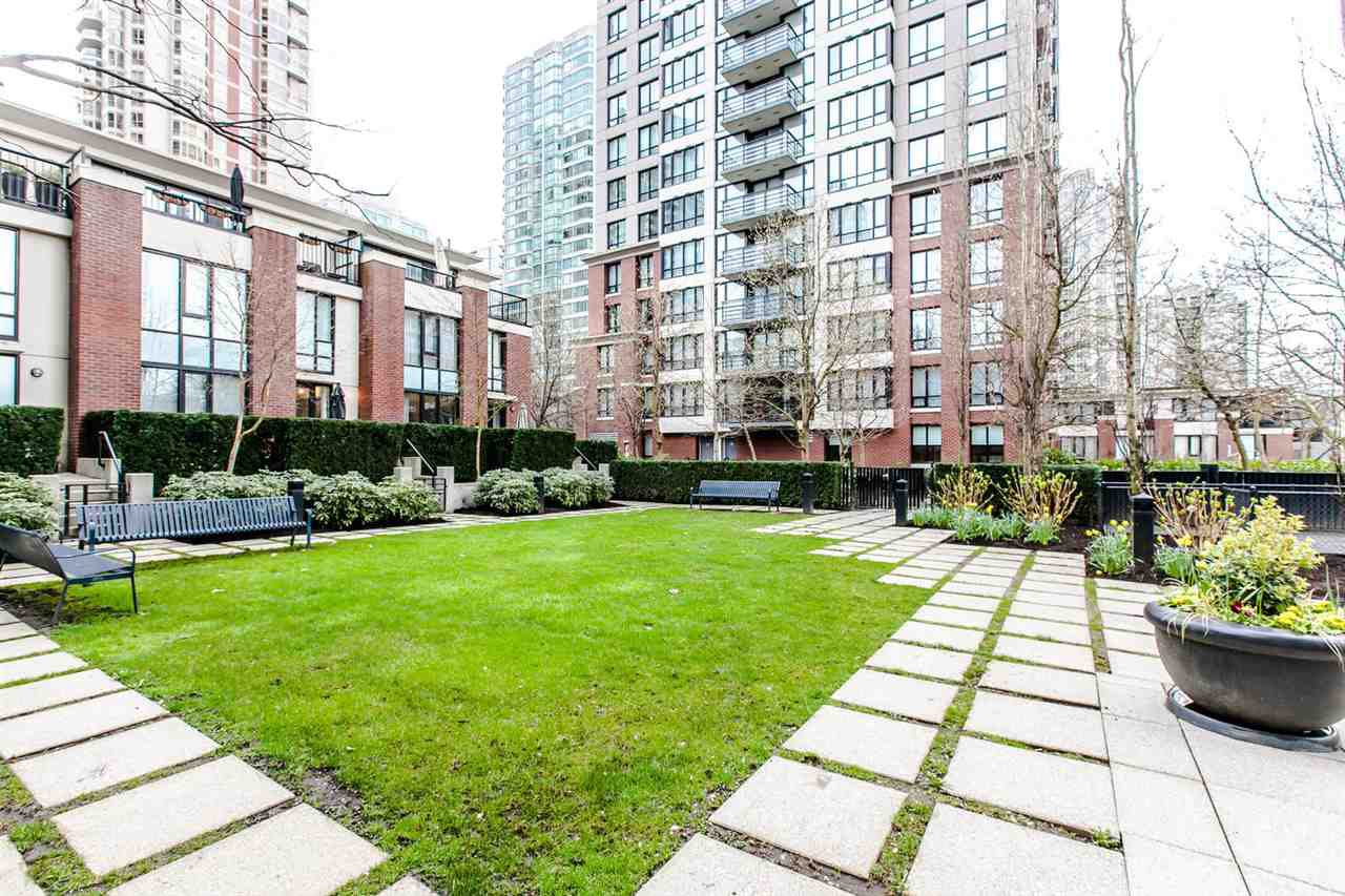 Photo 18: Photos: 707 928 HOMER Street in Vancouver: Yaletown Condo for sale (Vancouver West)  : MLS®# R2146641