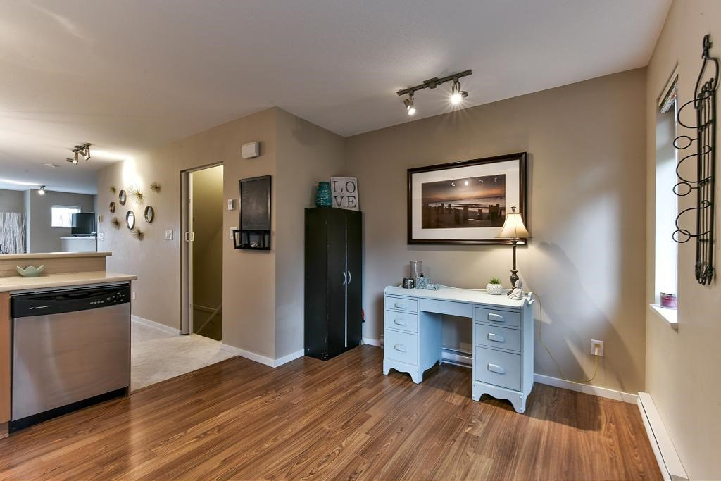 "Photo 6: Photos: 121 15155 62A Avenue in Surrey: Sullivan Station Townhouse for sale in ""OAKLANDS"" : MLS®# R2149726"