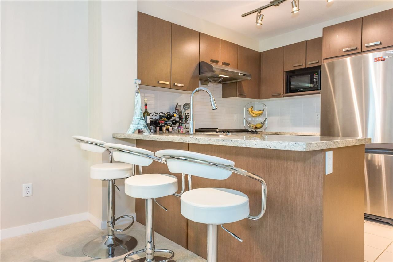 "Photo 6: Photos: 206 9399 TOMICKI Avenue in Richmond: West Cambie Condo for sale in ""CAMBRIDGE PARK"" : MLS®# R2157333"