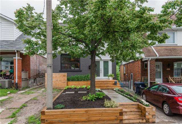 Main Photo: 87 Oakcrest Ave in Toronto: East End-Danforth Freehold for sale (Toronto E02)  : MLS®# E3838510