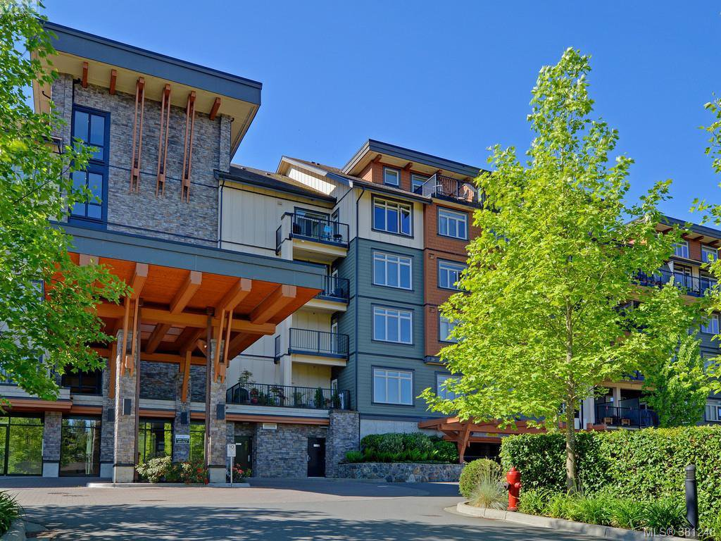 Main Photo: 406 623 Treanor Ave in VICTORIA: La Thetis Heights Condo for sale (Langford)  : MLS®# 766050
