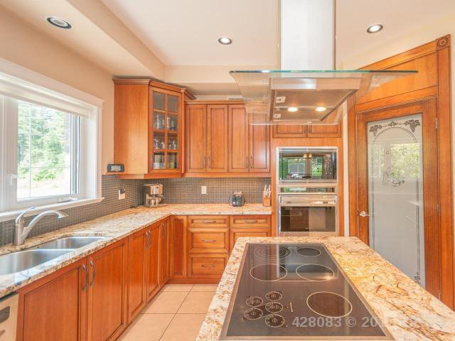 Photo 12: Photos: 7257 HOWARD ROAD in MERVILLE: Z2 Merville Black Creek House for sale (Zone 2 - Comox Valley)  : MLS®# 428083