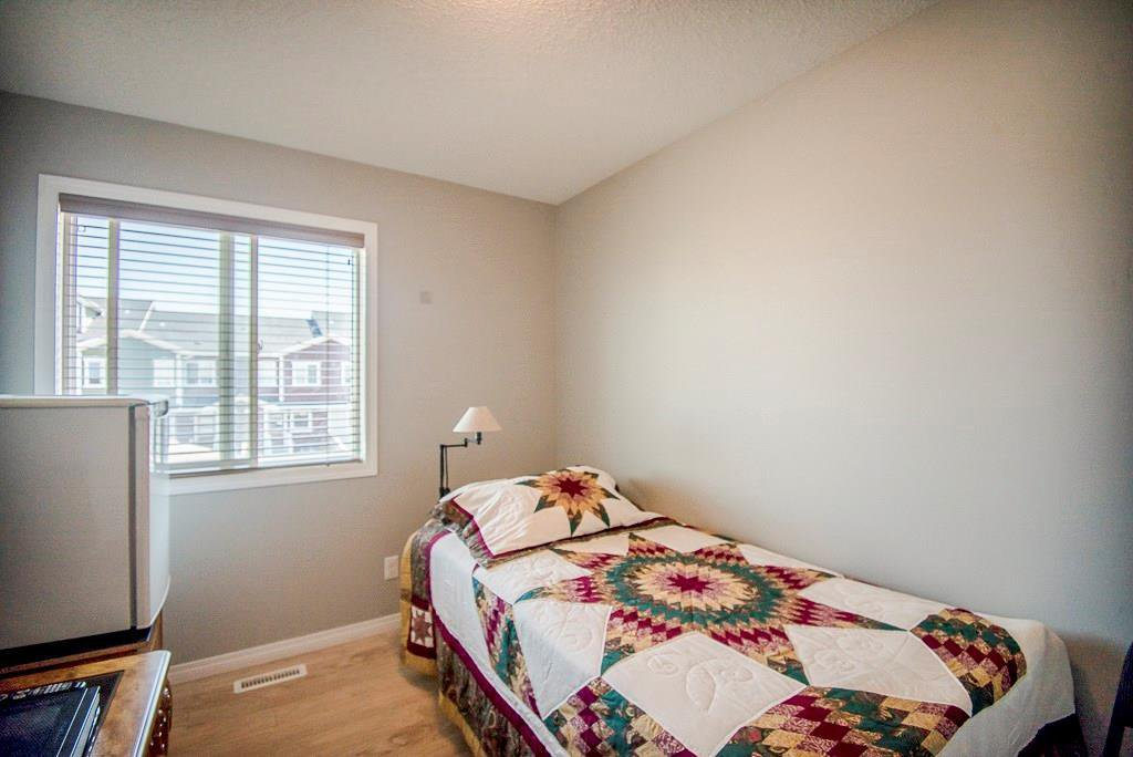 Photo 15: Photos: 35 AUBURN BAY Boulevard SE in Calgary: Auburn Bay Semi Detached for sale : MLS®# C4204478