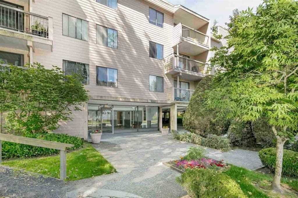 "Main Photo: 331 8460 LANSDOWNE Road in Richmond: Brighouse Condo for sale in ""LEXINGTON SQUARE"" : MLS®# R2322533"