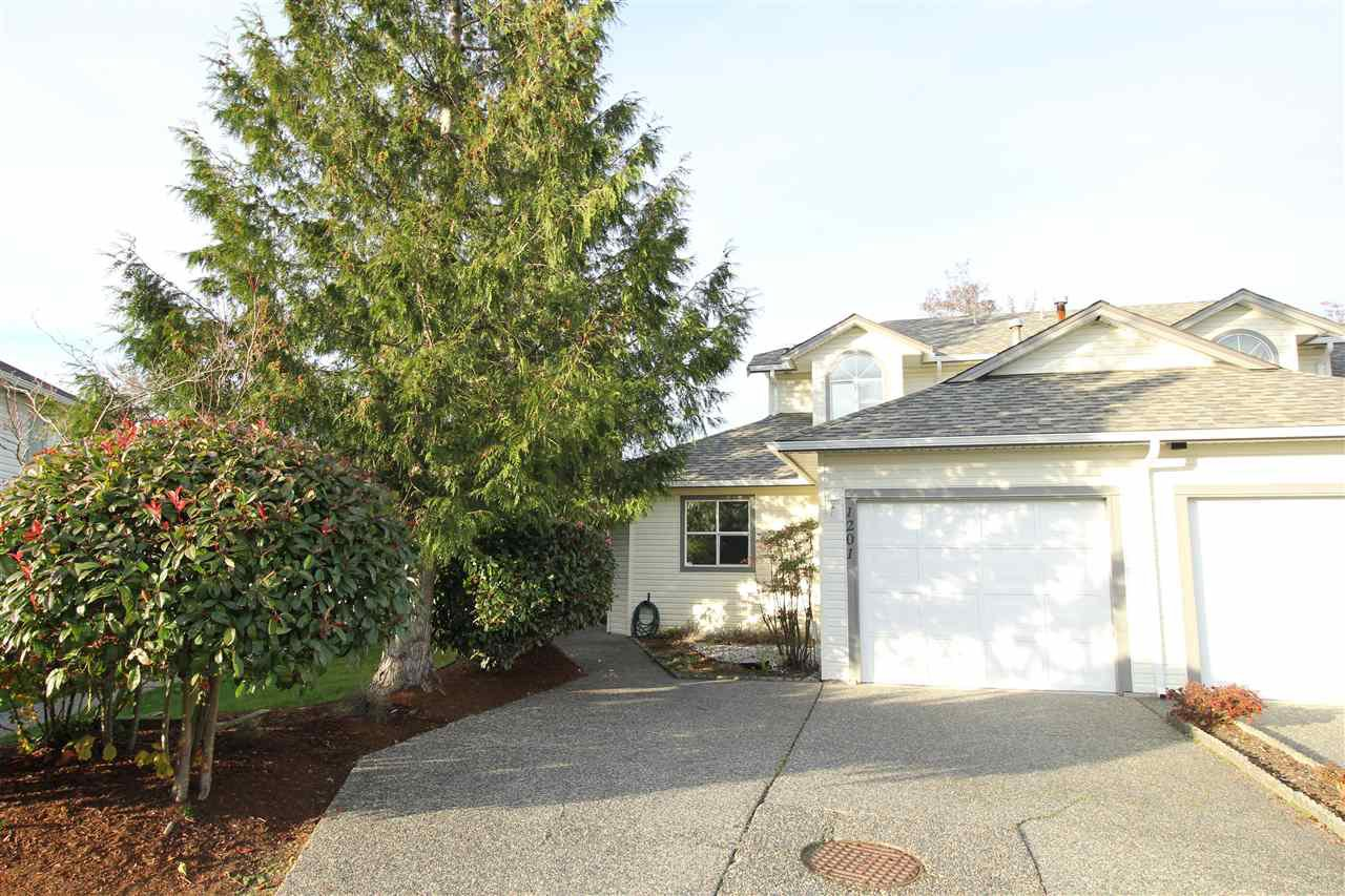 "Main Photo: 1201 21937 48 Avenue in Langley: Murrayville Townhouse for sale in ""Orangewood"" : MLS®# R2322838"