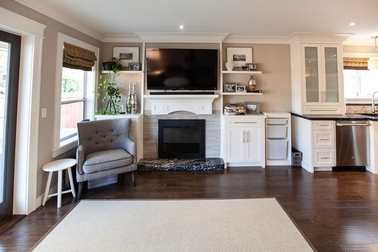 Photo 7: Photos: 6305 48A Avenue in Delta: Holly House for sale (Ladner)  : MLS®# R2333976