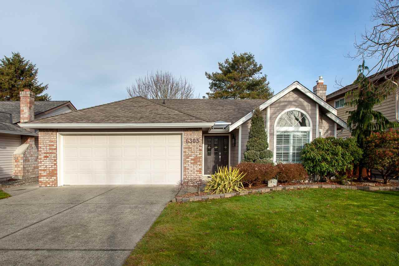 Photo 2: Photos: 6305 48A Avenue in Delta: Holly House for sale (Ladner)  : MLS®# R2333976