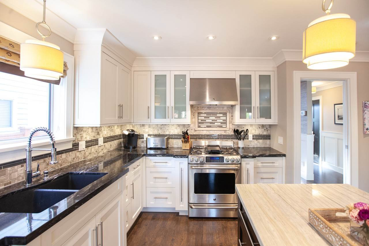 Photo 1: Photos: 6305 48A Avenue in Delta: Holly House for sale (Ladner)  : MLS®# R2333976