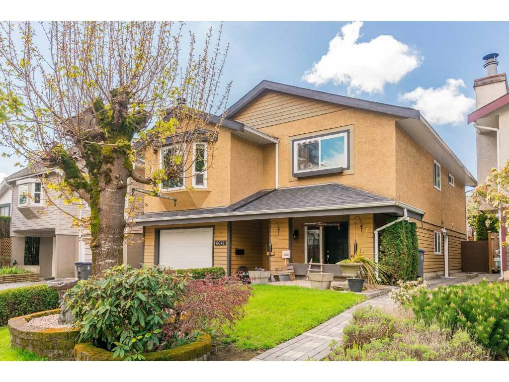 Main Photo: 6047 195A Street in Surrey: Cloverdale BC House for sale (Cloverdale)  : MLS®# R2356474