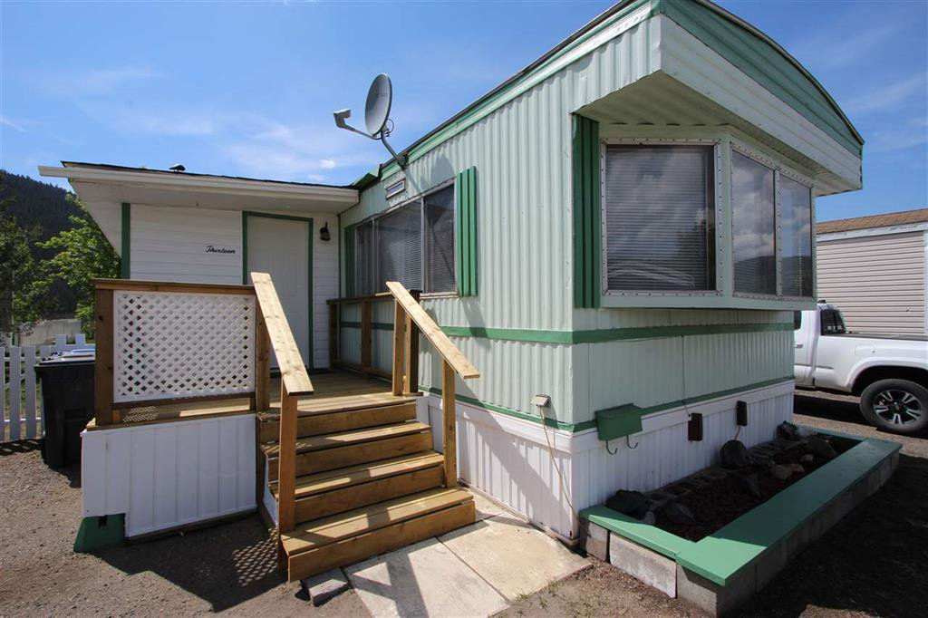 Main Photo: 13 3001 Mackenzie Avenue in Williams Lake: Manufactured Home for sale : MLS®# R2269988