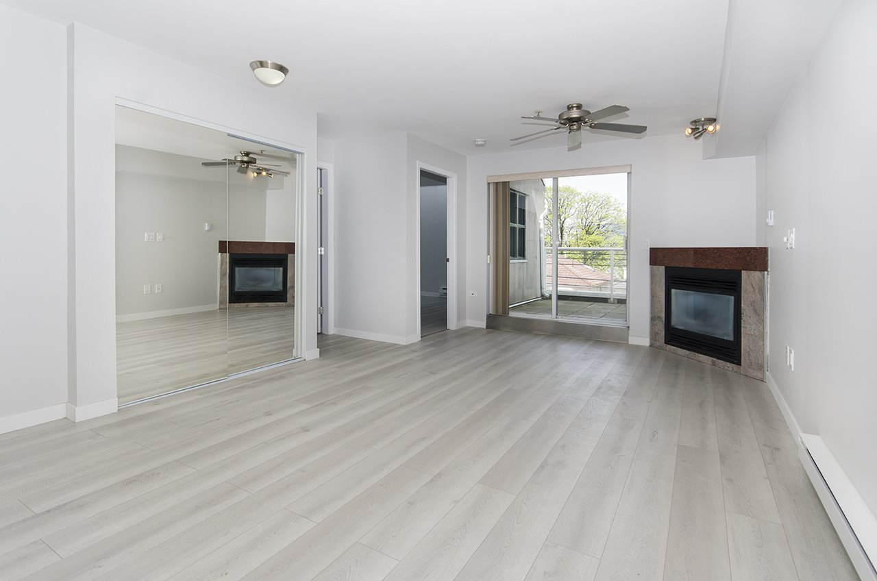 Main Photo: 207 3319 KINGSWAY in : Collingwood VE Condo for sale : MLS®# R2163011