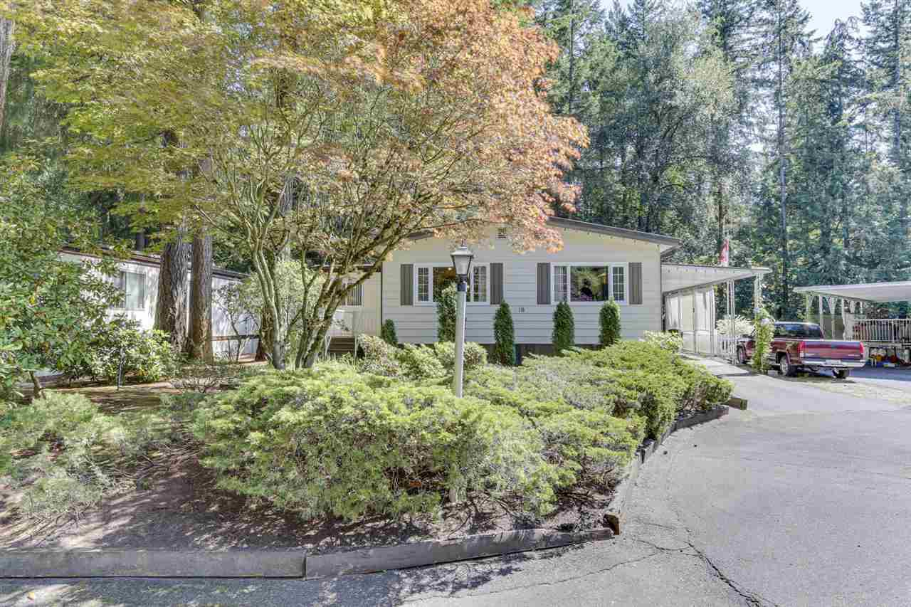 """Main Photo: 18 2306 198 Street in Langley: Brookswood Langley Manufactured Home for sale in """"Cedar Lane"""" : MLS®# R2481487"""