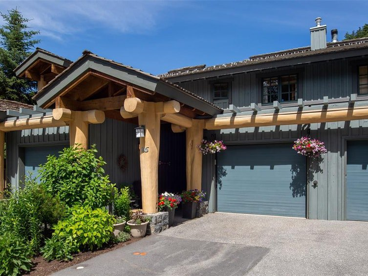 Main Photo: 16 2250 Nordic Drive in Whistler: Townhouse for sale : MLS®# R2480063
