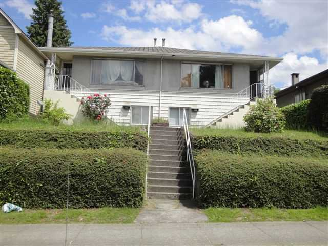 Main Photo: 434 E 3RD Street in North Vancouver: Lower Lonsdale House Duplex for sale : MLS®# V895981
