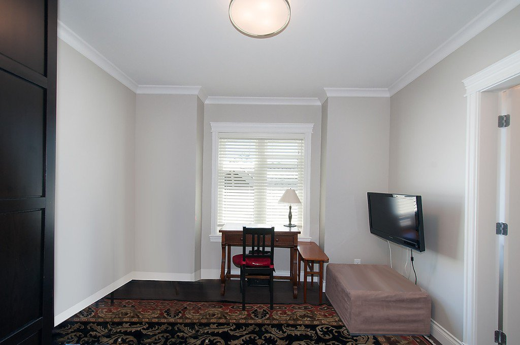 Photo 15: Photos: 2727 CYPRESS Street in Vancouver: Kitsilano House 1/2 Duplex for sale (Vancouver West)  : MLS®# V1128521