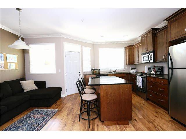 "Photo 3: Photos: 56 11720 COTTONWOOD Drive in Maple Ridge: Cottonwood MR Townhouse for sale in ""COTTONWOOD GREEN"" : MLS®# V1138671"